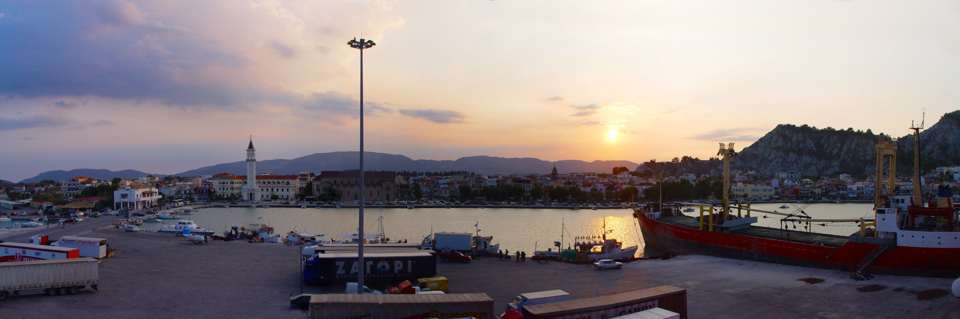 Bild vom Sonnenuntergang am Hafen auf Zakynthos