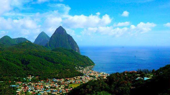 Bild vom Ausblick auf The Pitons St. Lucia