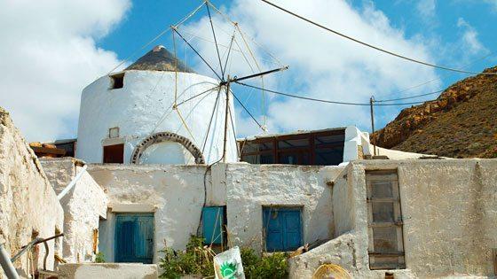 Bild einer Windmühle in Chora auf Anafi