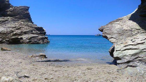 Bild vom Angali Beach auf Folegandros