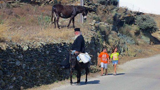 Bild von einem Esel und Griechen auf Kymolos