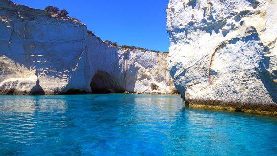 Bild von klarem Wasser bei Kleftiko vor Milos