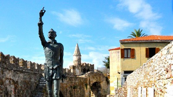 Bild der Statue von Cervantes of Nafpaktos