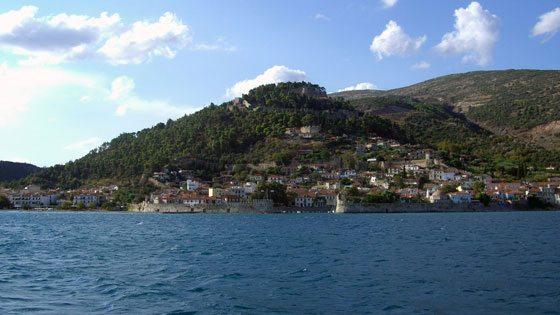Bild von der Weitsicht auf den Hafen von Nafpaktos