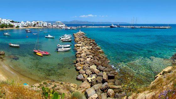 Bild vom Hafen von Piso Livadi auf Paros