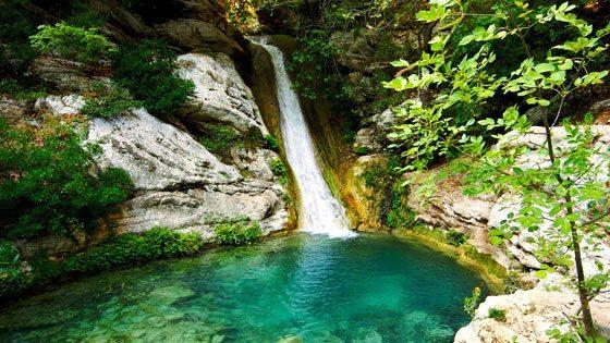 Bild der Polylimnio Wasserfälle in Westmessenien